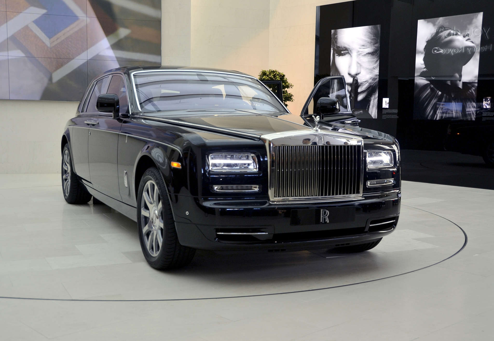 10 Most Expensive Cars Available In India Auto News Et Auto