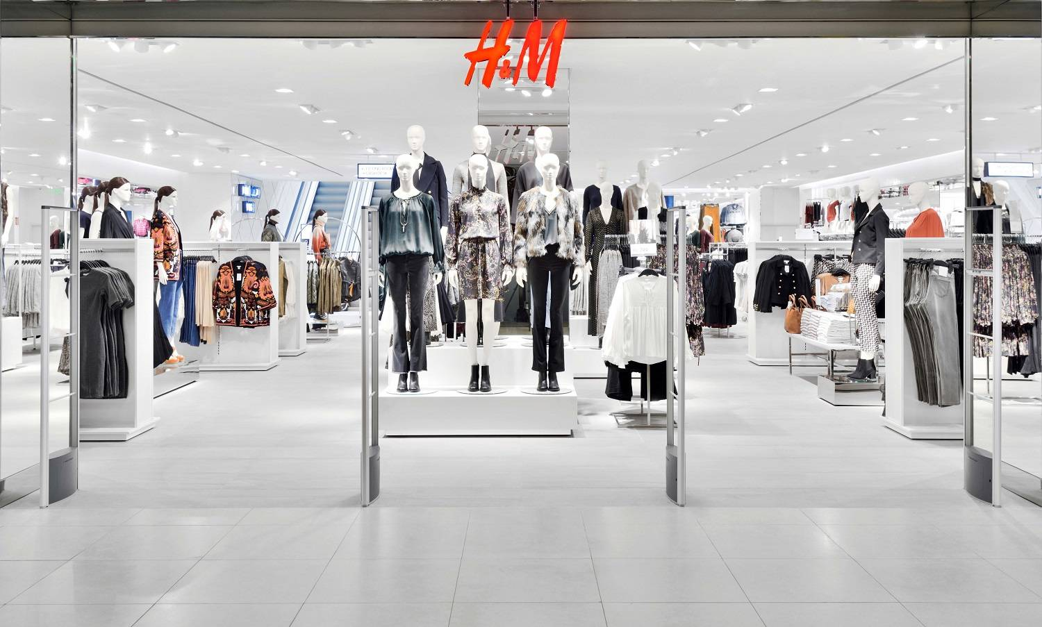 H&M to open new store in Delhi's Connaught Place, Retail News, ET ...