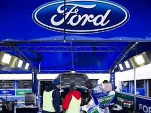 812b0dff56d1 Ford patents windshield entertainment system