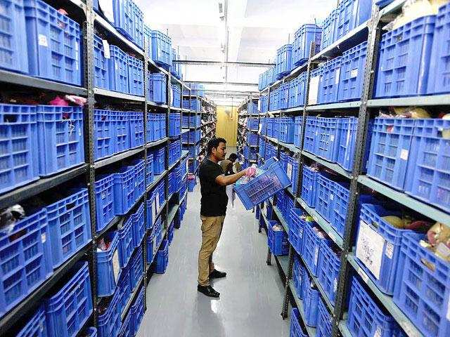 6ff90a247 Snapdeal opens 6 logistics hubs to ramp up delivery operations. The new  centres