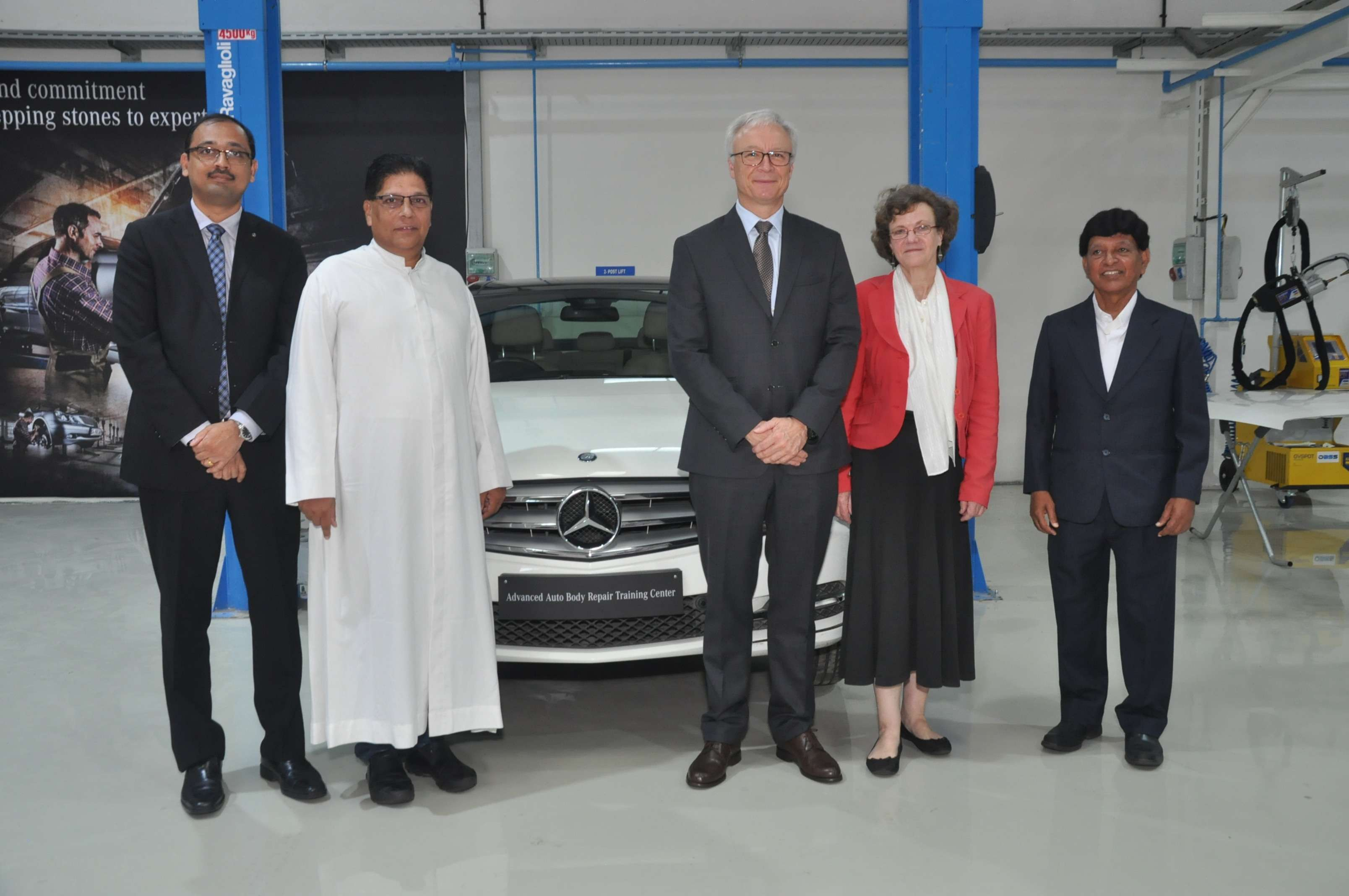 Mercedes Benz Opens Training Centre In India Invests Rs 26 5 Mn