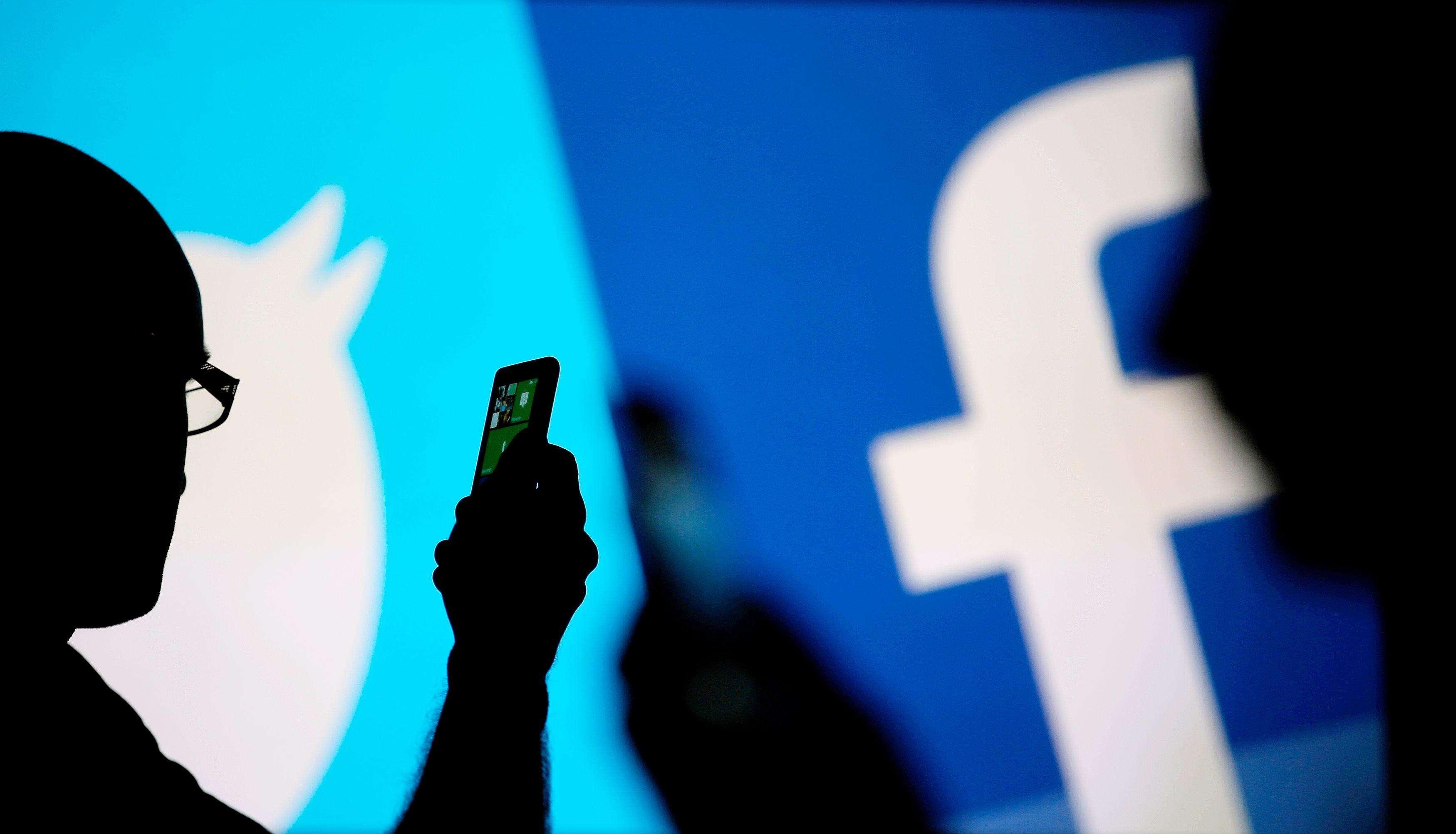 Facebook и Twitter искали иностранное вмешательство в беспорядки в США
