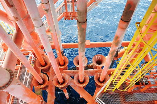 Deepwater projects survive low oil price, executives say, Energy