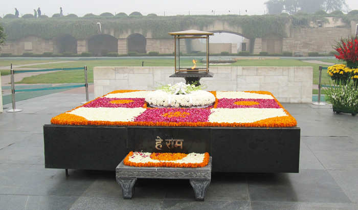 Rajghat Gets Facelift Led Lamp Posts Cctv Cams New Inscriptions - The-martyr-lamp-an-energy-saver-project