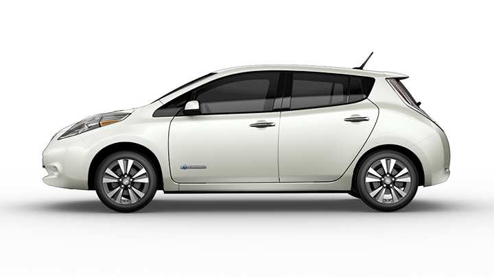 With New Hybrid Nissan Offers Er Route To Electric Cars