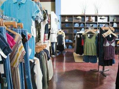 Men prefer shopping for curated looks over individual products