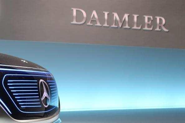 Daimler Daimler Considers Legal Split In Strategic Overhaul Auto - Overhaul car show