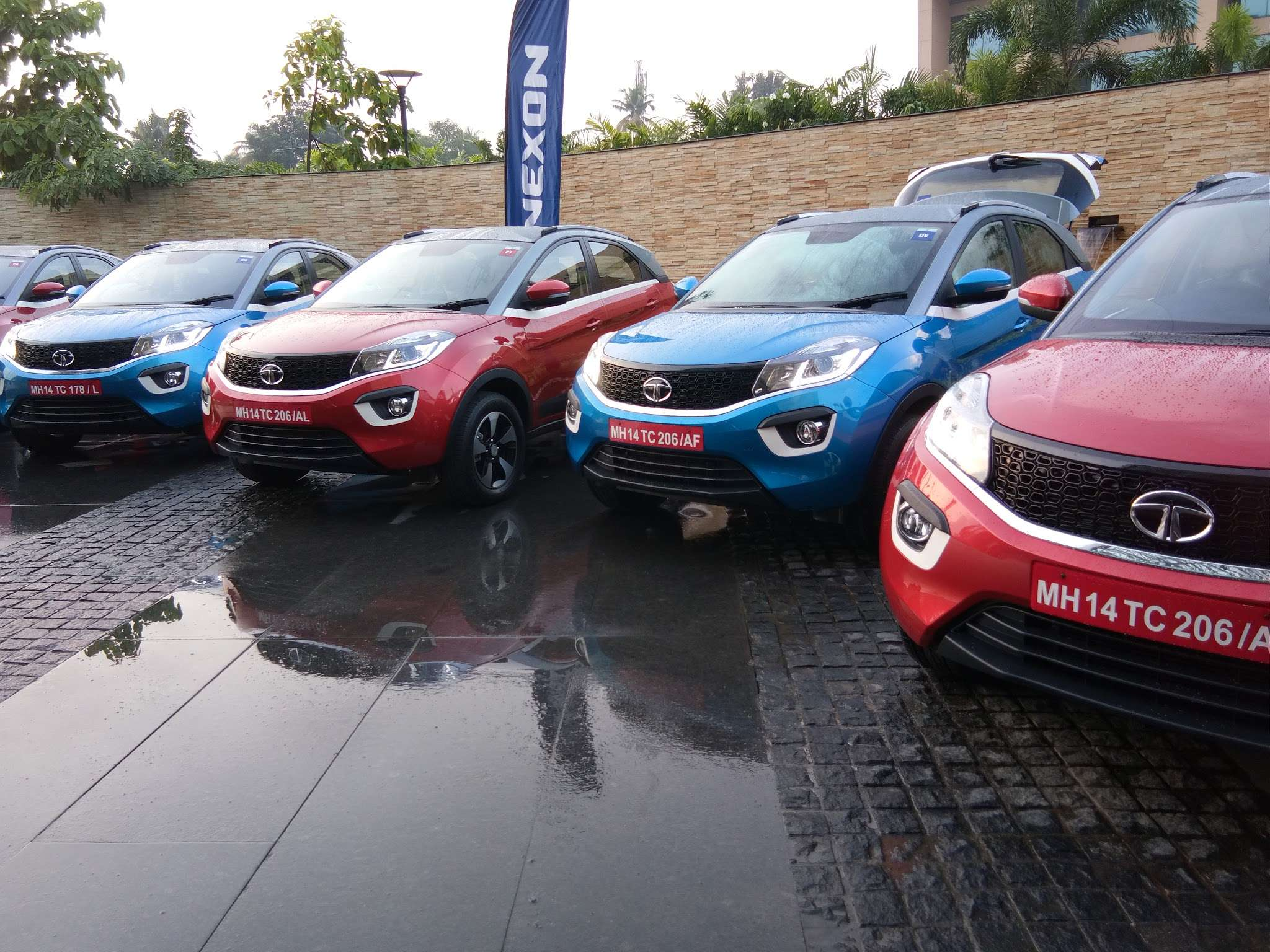 Tata Nexon Tata Motors Launches Nexon Compact Suv At Rs Lakh
