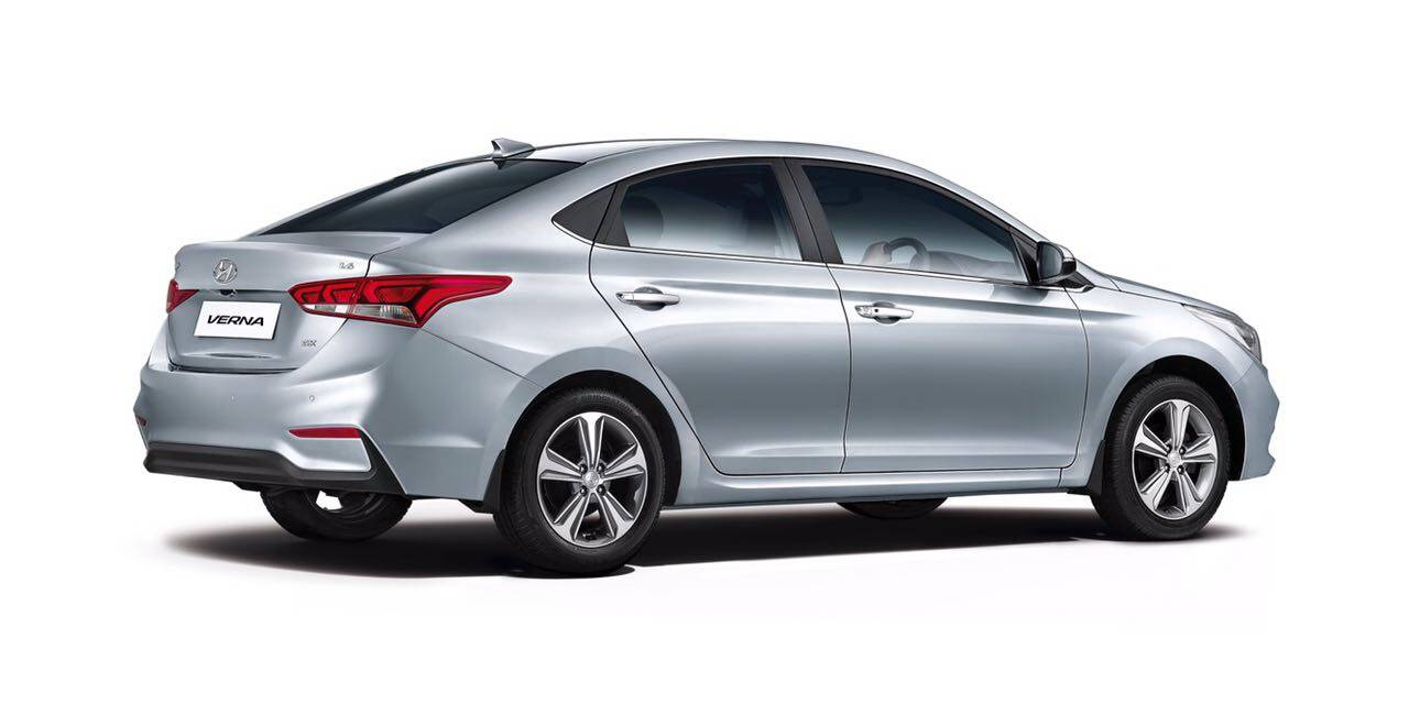 Hyundai Verna Hyundai Starts Bookings For New Verna At Rs 25 000 Auto News Et Auto