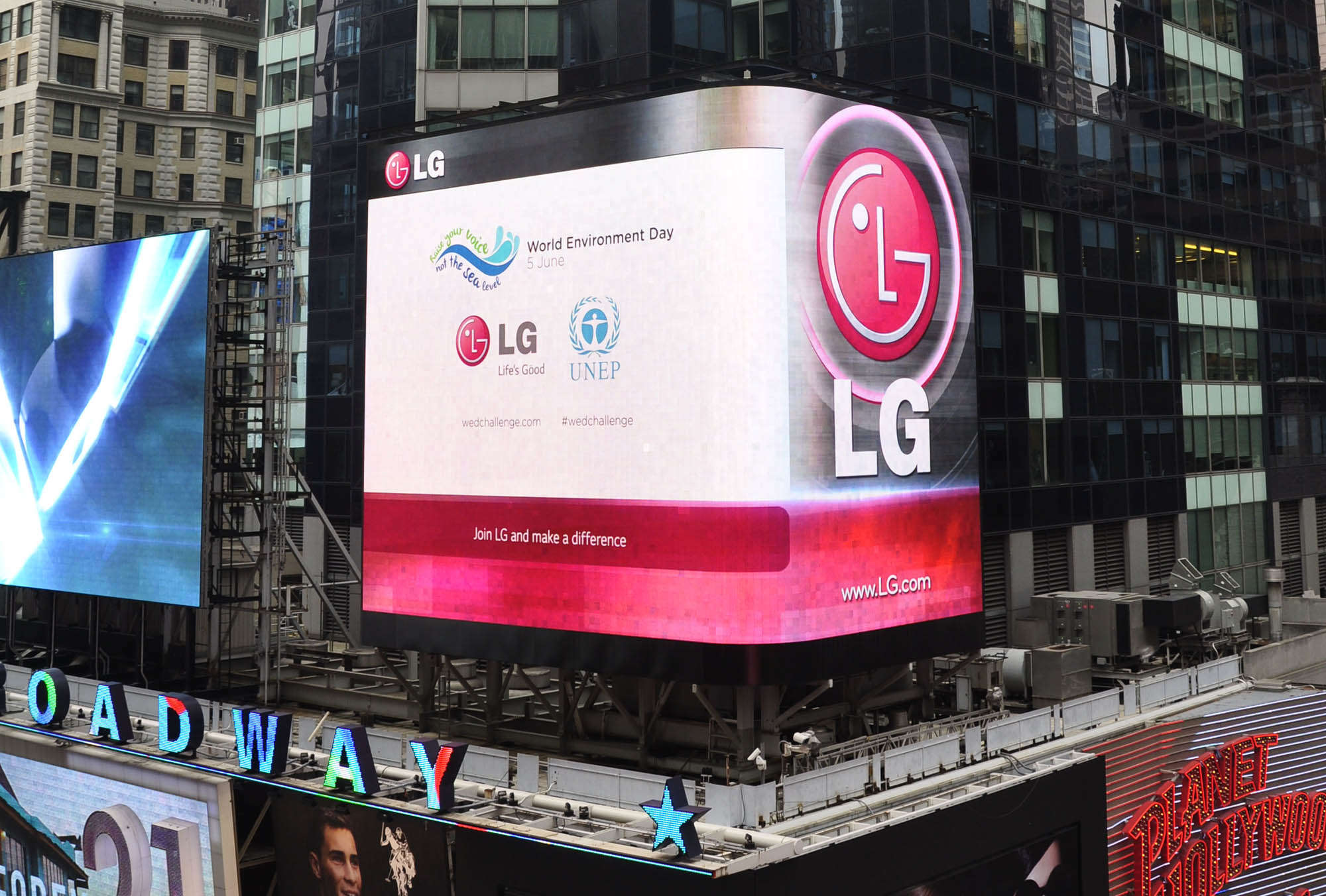 LG Electronics: S Korea's LG Elec bid for ZKW in estimated $1 2 bn