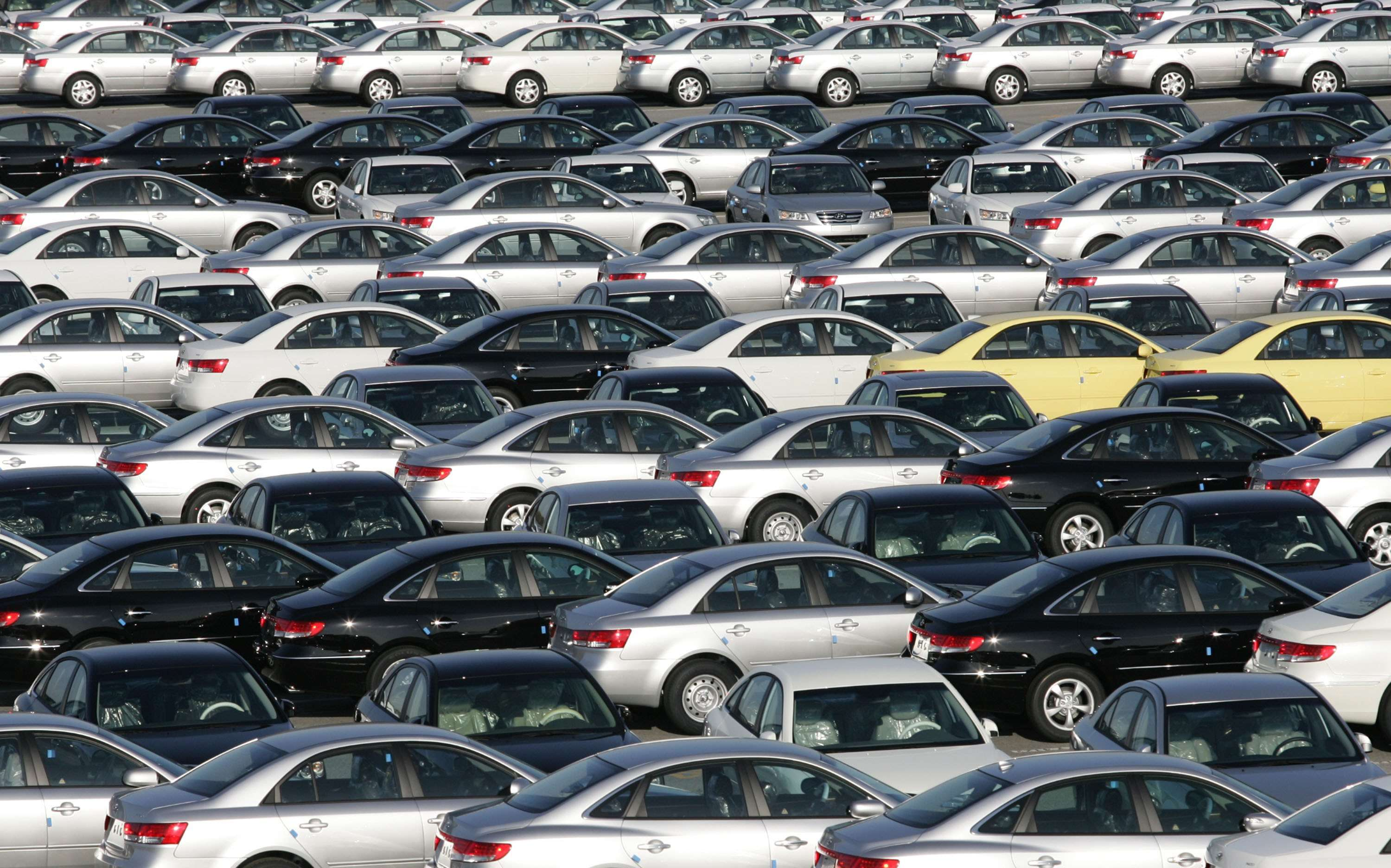 gst: Govt notifies hike in GST cess on mid, large cars to 25 ...