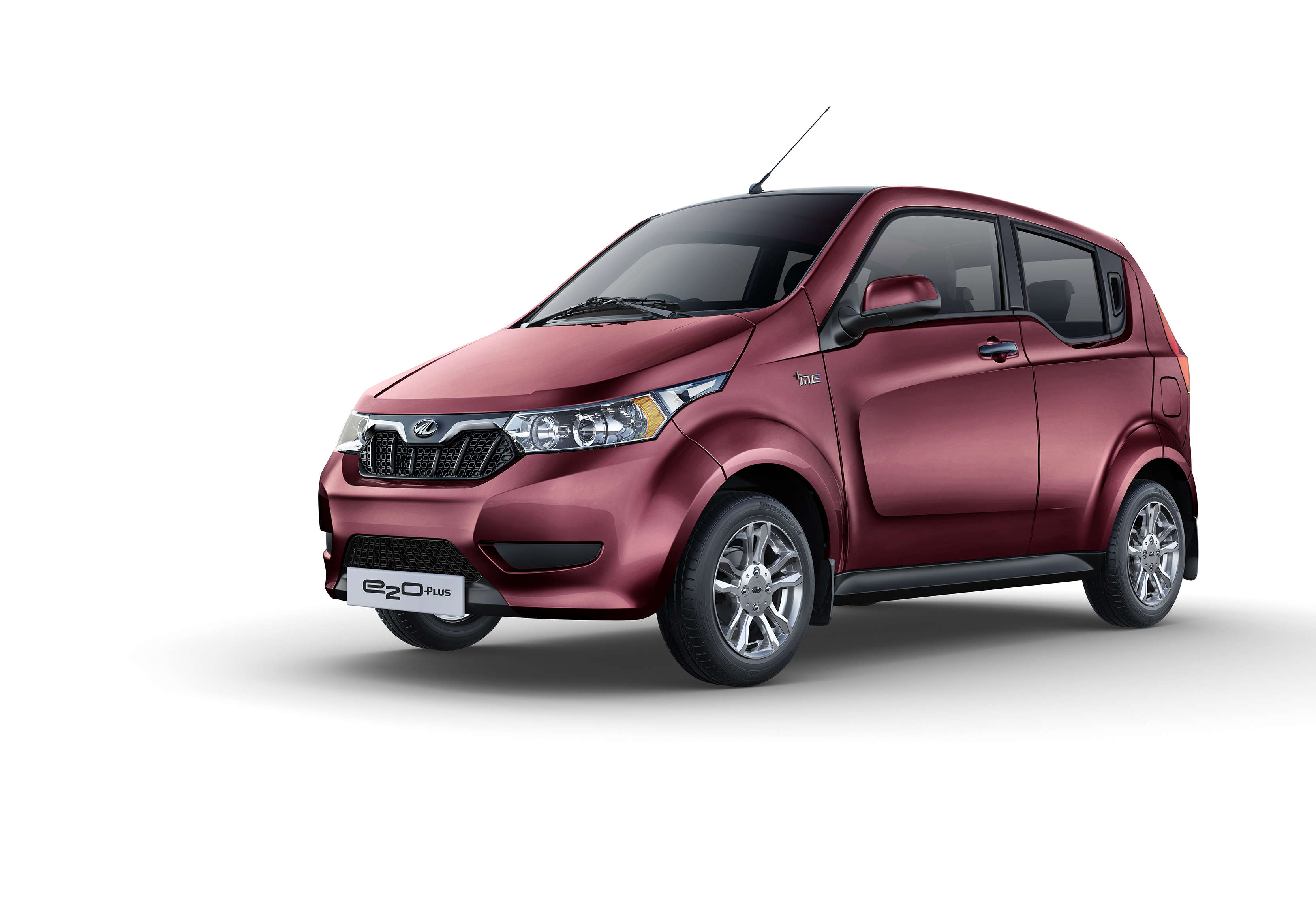 Mahindra Mahindra Drives In Electric Citysmart Car Auto