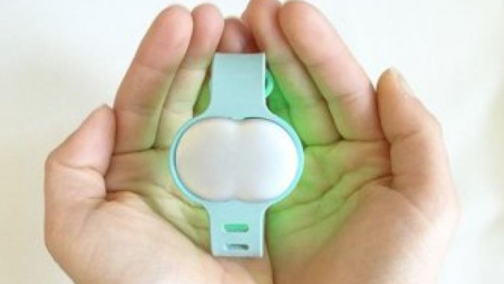 The band uses an algorithm which learns the users personal characteristics and detects pregnancy. (Photo: Facebook/Ava)