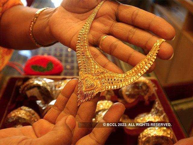 Gold Regains Sheen On Global Cues Jewellers Ing