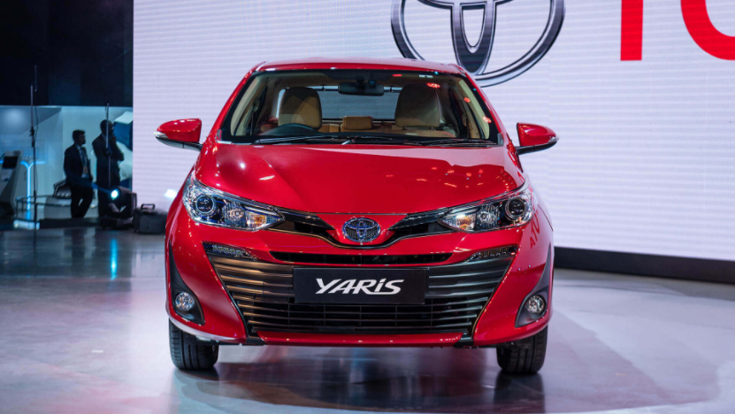 Toyota Yaris The War Of Mid Size Sedans Toyota Yaris Vs Honda City