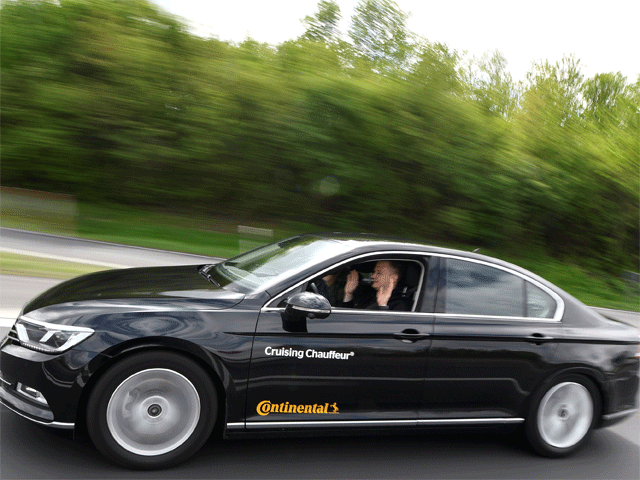 Self Driving Cars Who S Winning The Self Driving Car Race