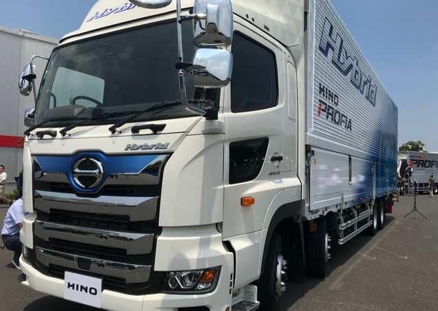 Hino Motors Ltd Displays Its New Hybrid Profia A Sel Version Of