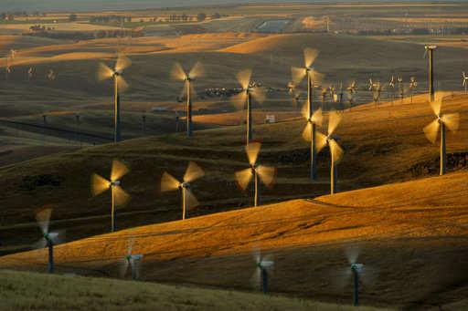 siemens gamesa: Siemens Gamesa quarterly sales hit by lower wind