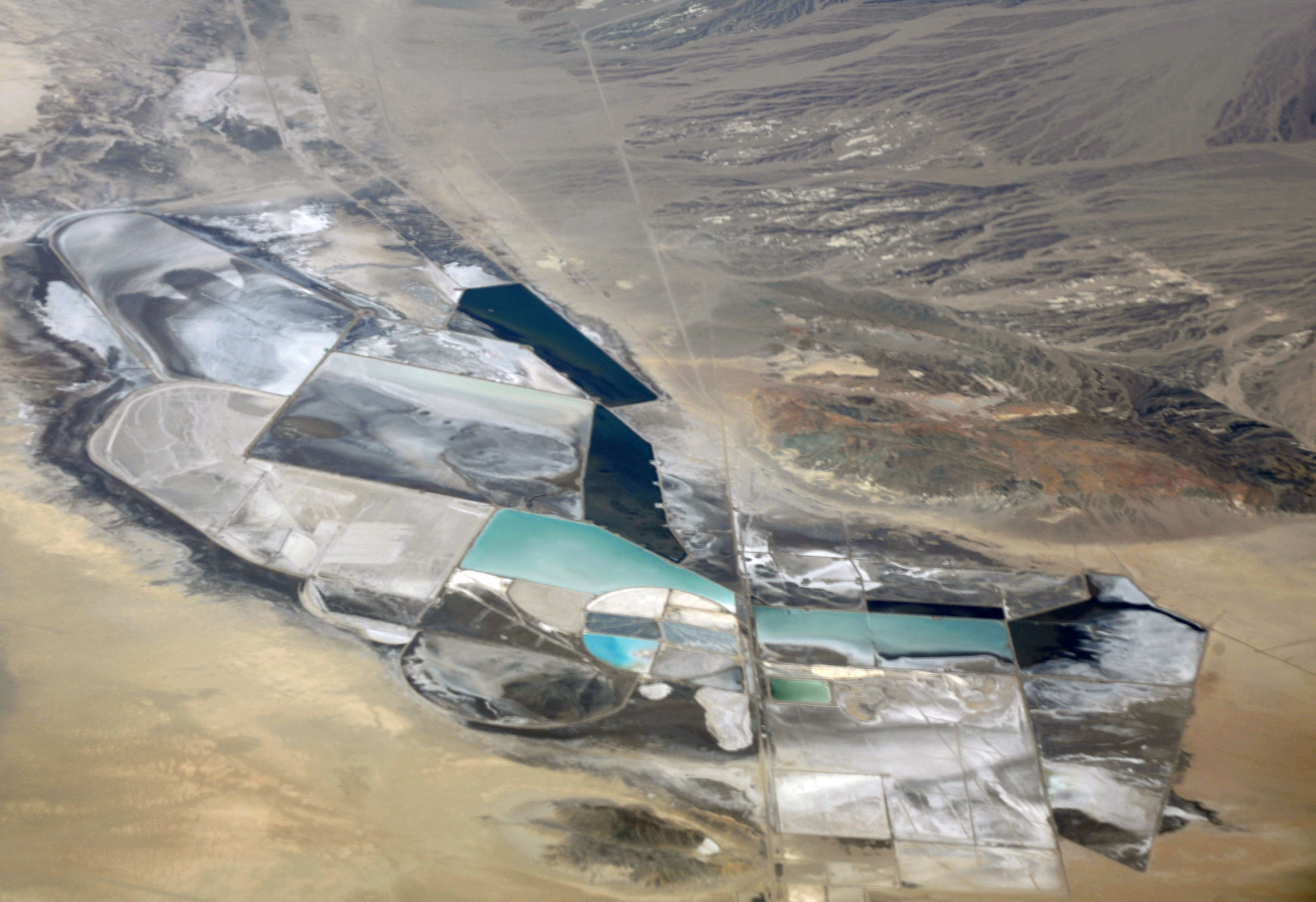 Orocobre says lithium carbonate prices slump, does not see