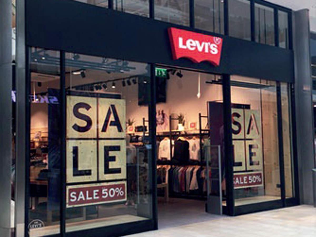 81a82e89fa8 Levi Strauss: Levi's soars in return as public company, Retail News ...