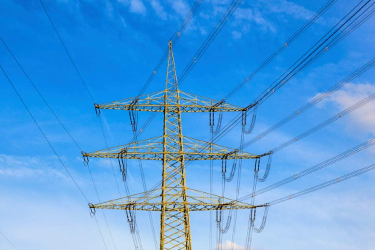 kkr: KKR, GIC betting on India's power sector with $400-mn