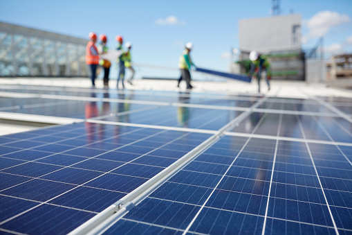 US solar hits 2 million installations, will double in 4 years