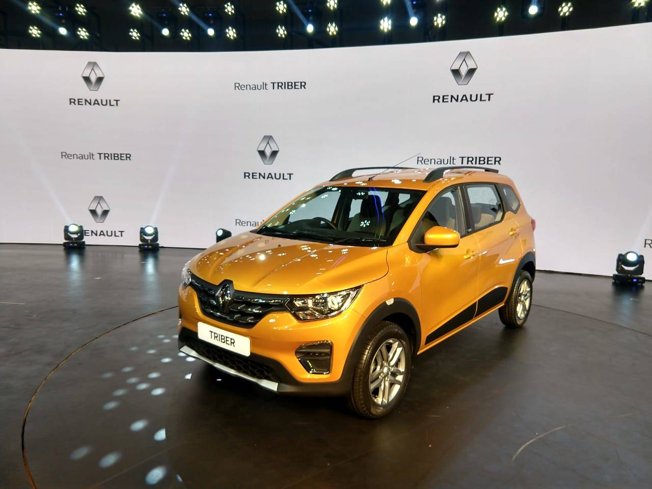 Renault Triber Renault To Export Mpv Triber To Neighbouring Countries Auto News Et Auto