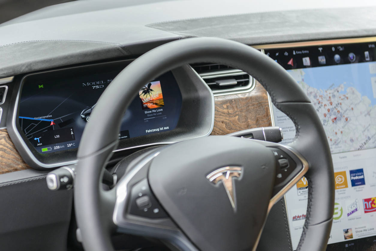 tesla autopilot: Tesla misled drivers with the 'Autopilot