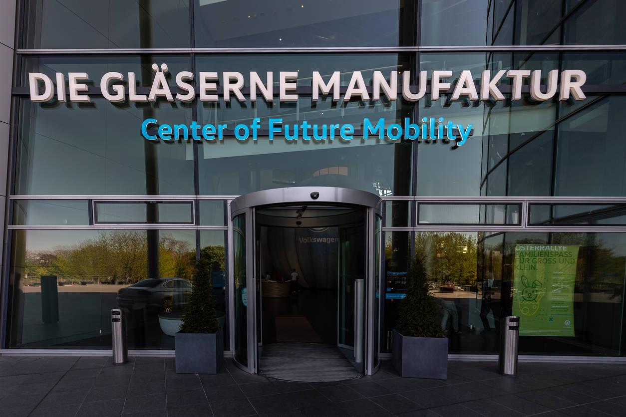 volkswagen: Volkswagen opens new software development centre