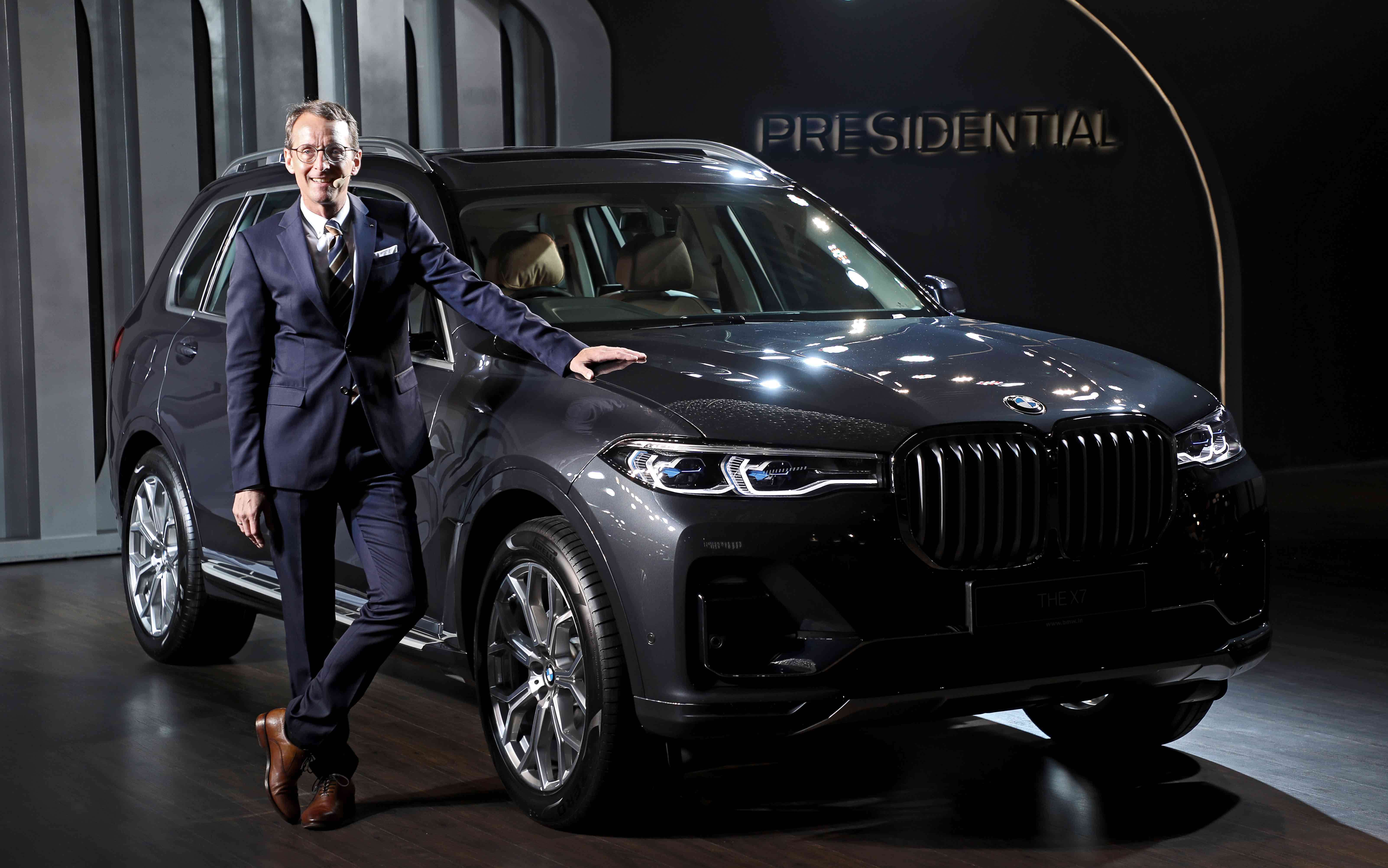 Bmw X7 Launch Bmw India Launches X7 At Rs 98 90 Lakh Auto News Et Auto