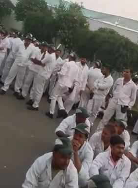 The strike began on November 5 and as of today, around 2,000 workers are protesting at the Manesar plant are seeking compensation.