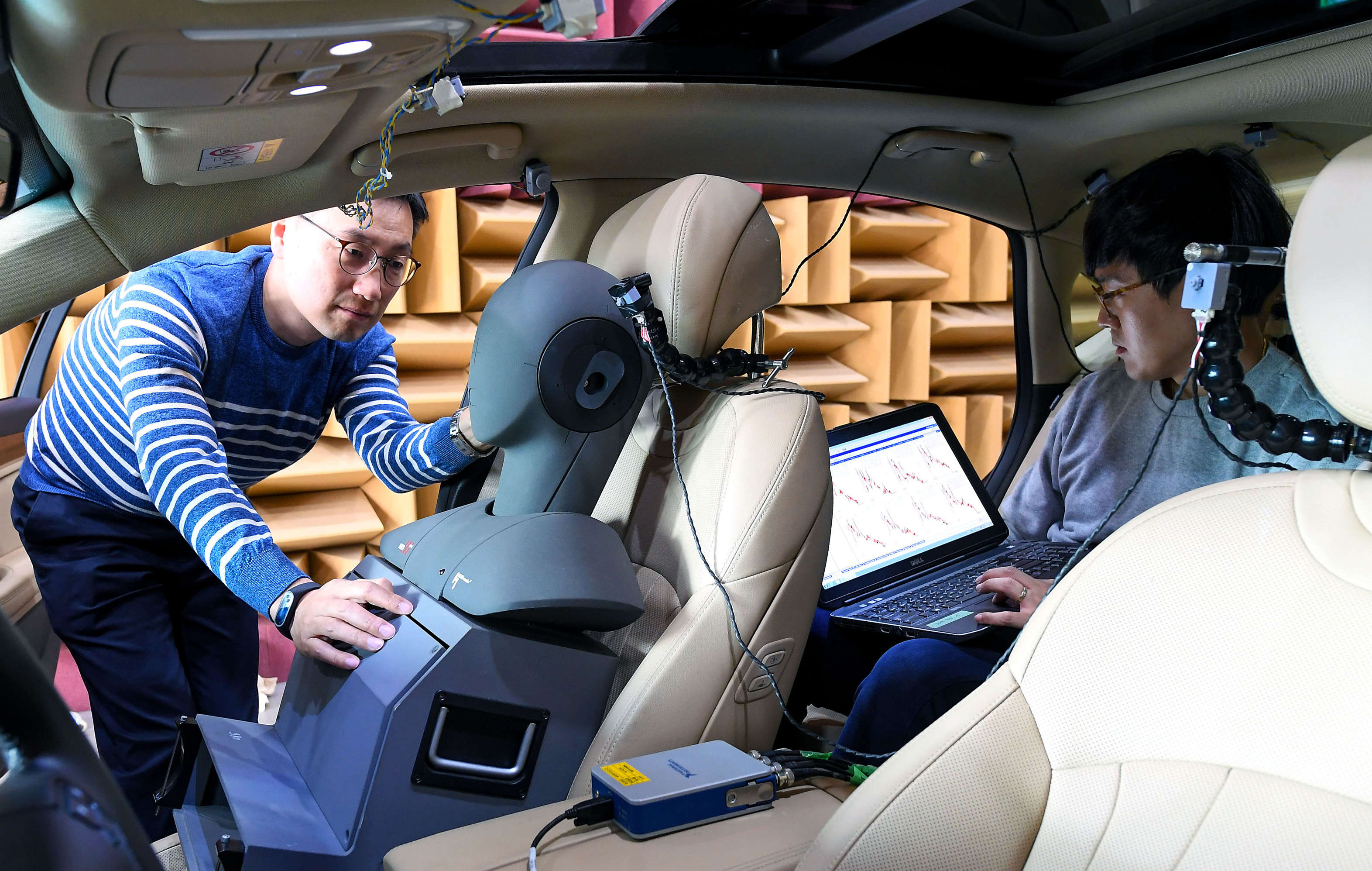 Hyundai says in the release that with the first-ever RANC technology, the automaker is able to greatly improve in-cabin quietness. This technology will be applied in the upcoming Genesis model.