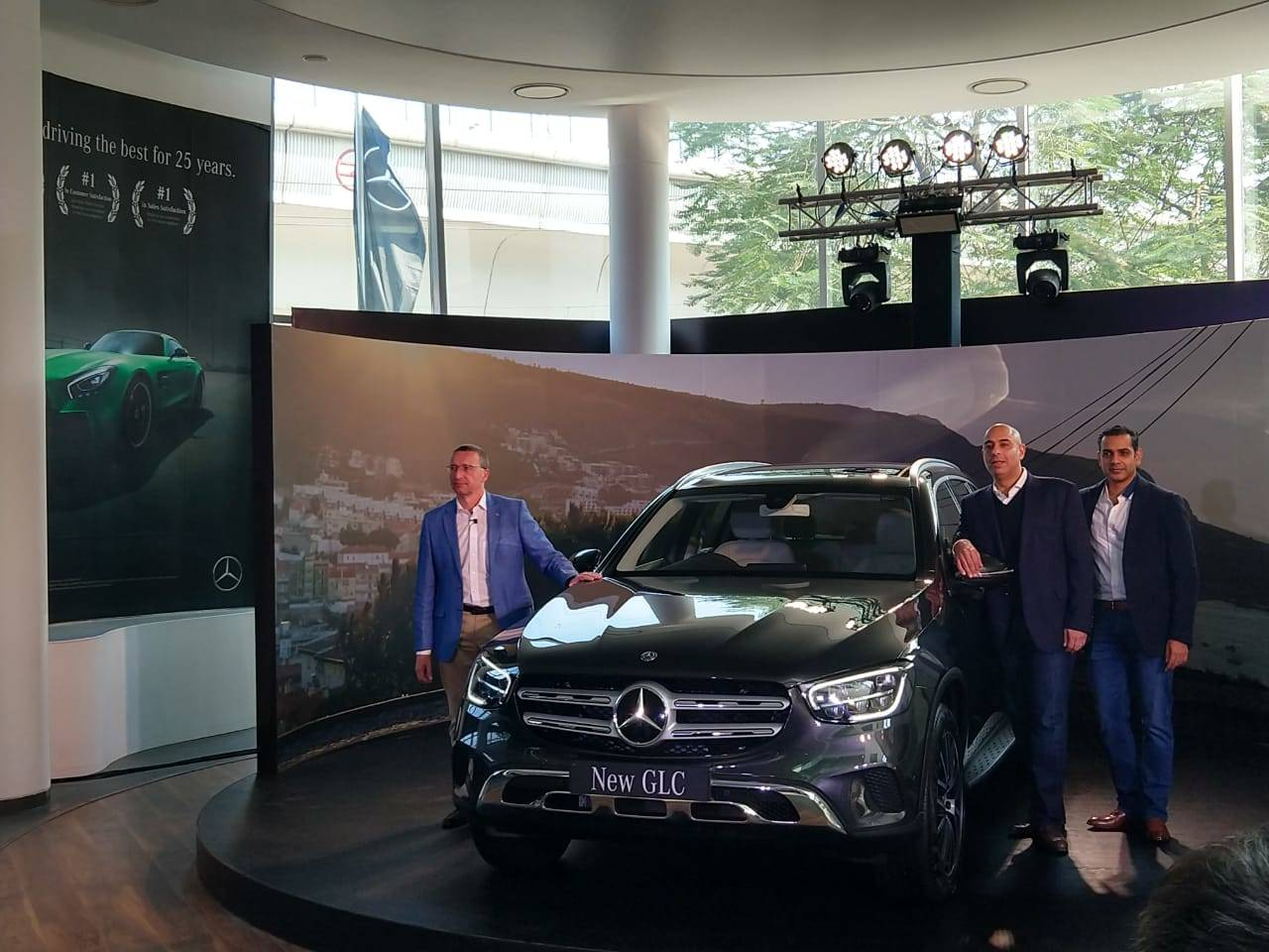 Mercedes Benz Glc Mercedes Benz Launches 2020 Glc Suv In India Price Starts From Rs 52 75 Lakh Auto News Et Auto