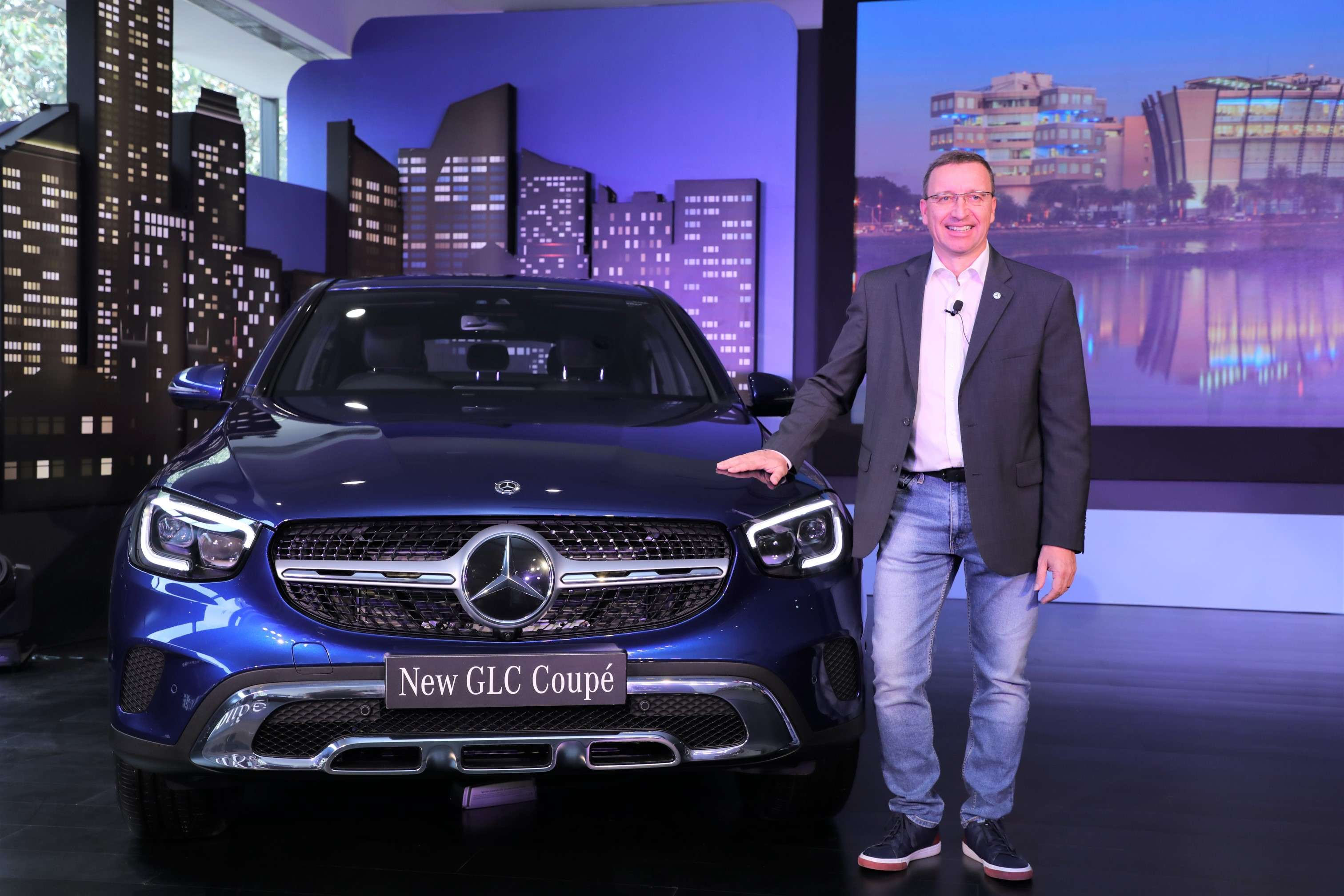 Mercedes Benz India Mercedes Benz Plans To Launch 10 Luxury Cars In India Auto News Et Auto