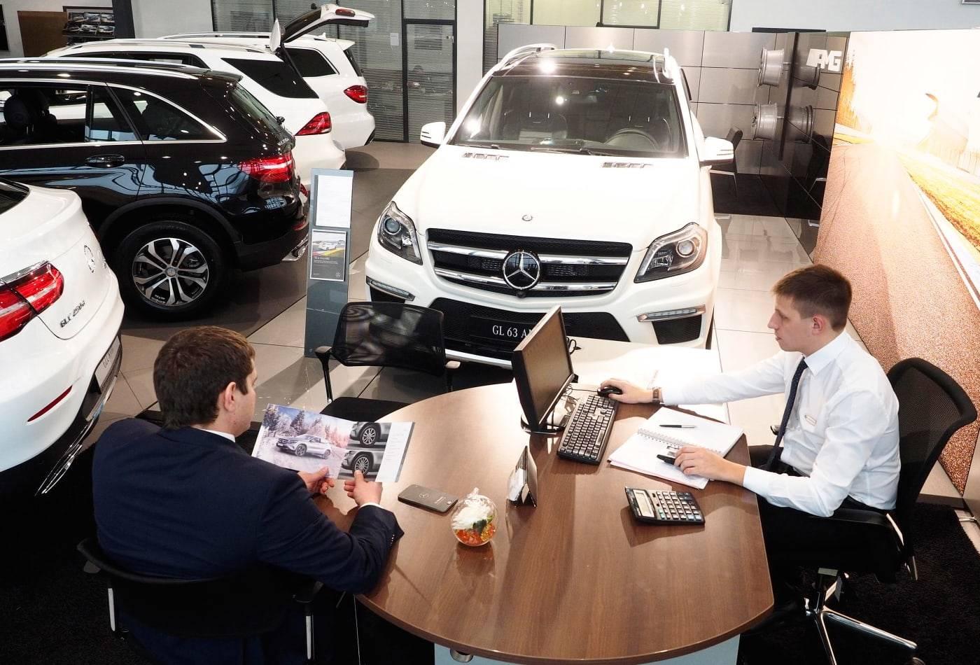 car dealership: Auto dealers' salary woes continue, Auto News, ET Auto