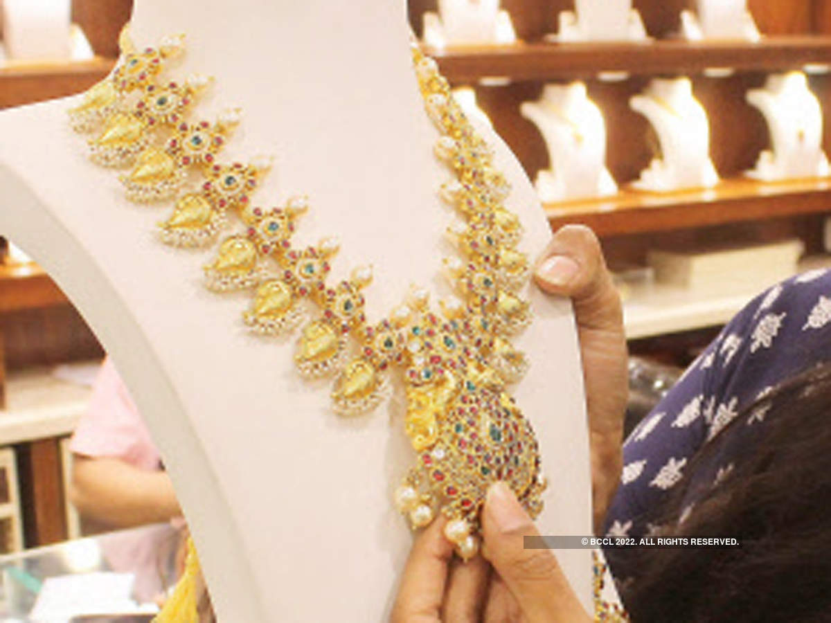 Government looking at suggestions of gems, jewellery sector to boost manufacturing, exports