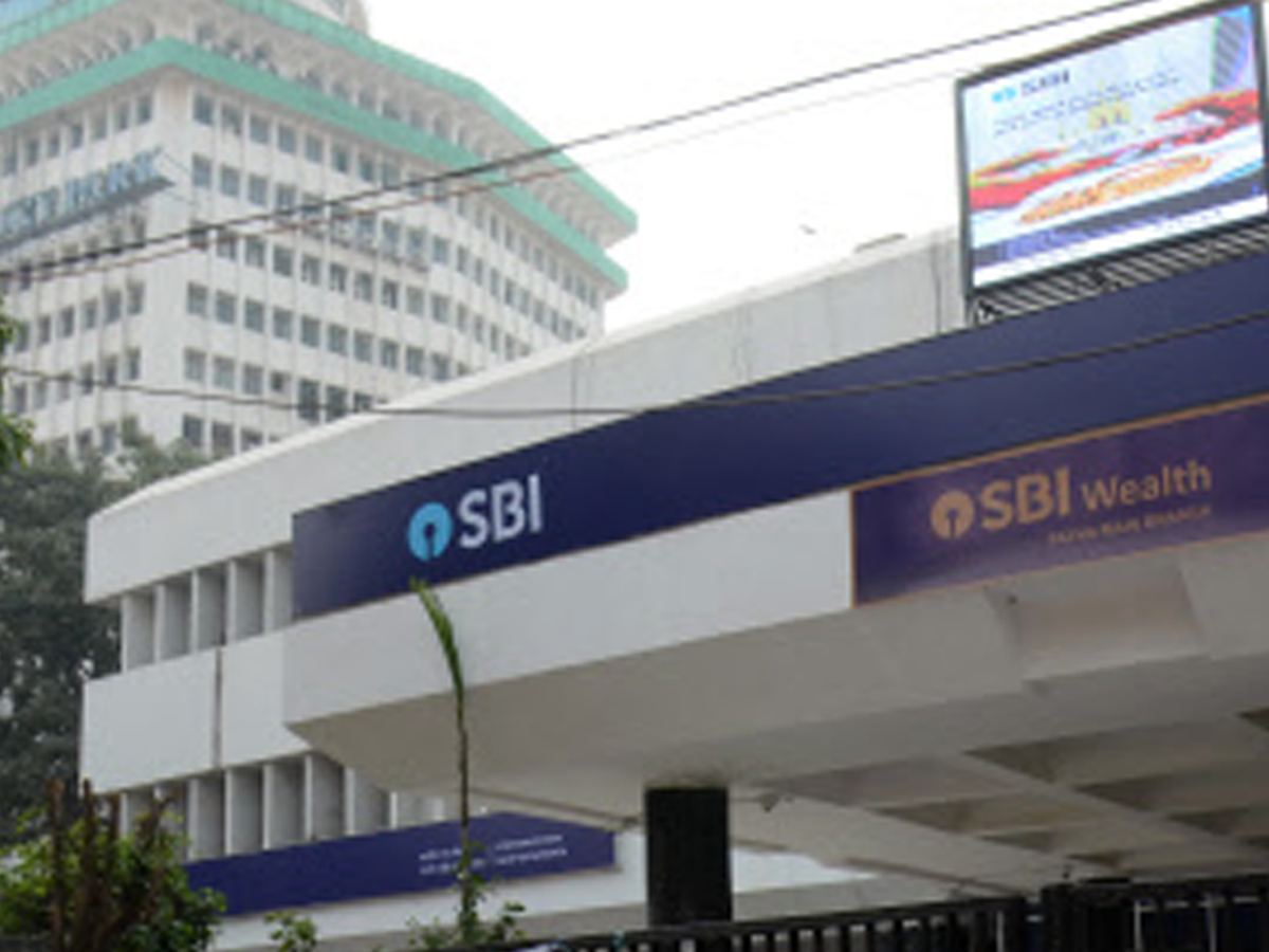 SBI cuts MCLR by 5-10 bps for shorter tenors