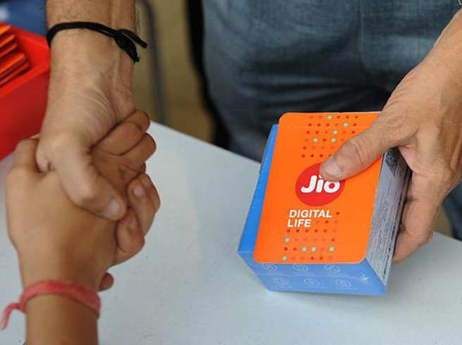 Reliance Jio Q1 results: Profit jumps three-fold to Rs 2,520 crore; ARPU at Rs 140.3