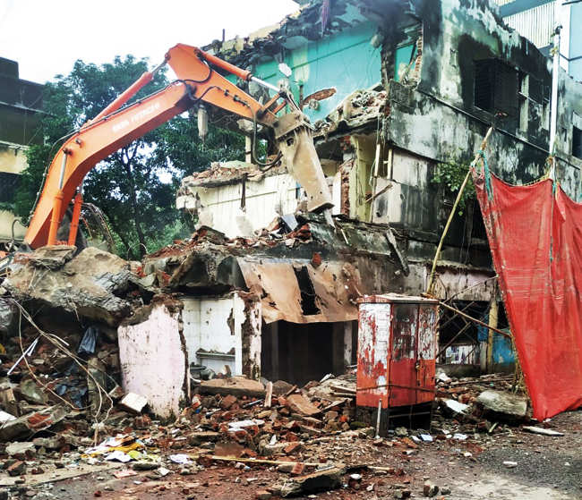 BMC resumes demolition of dangerous buildings in Mumbai