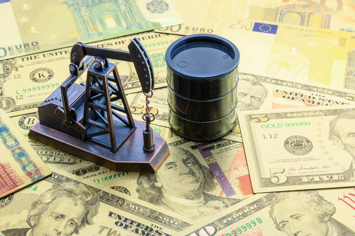 US oil & gas rig count falls for the first time in four weeks: Baker Hughes