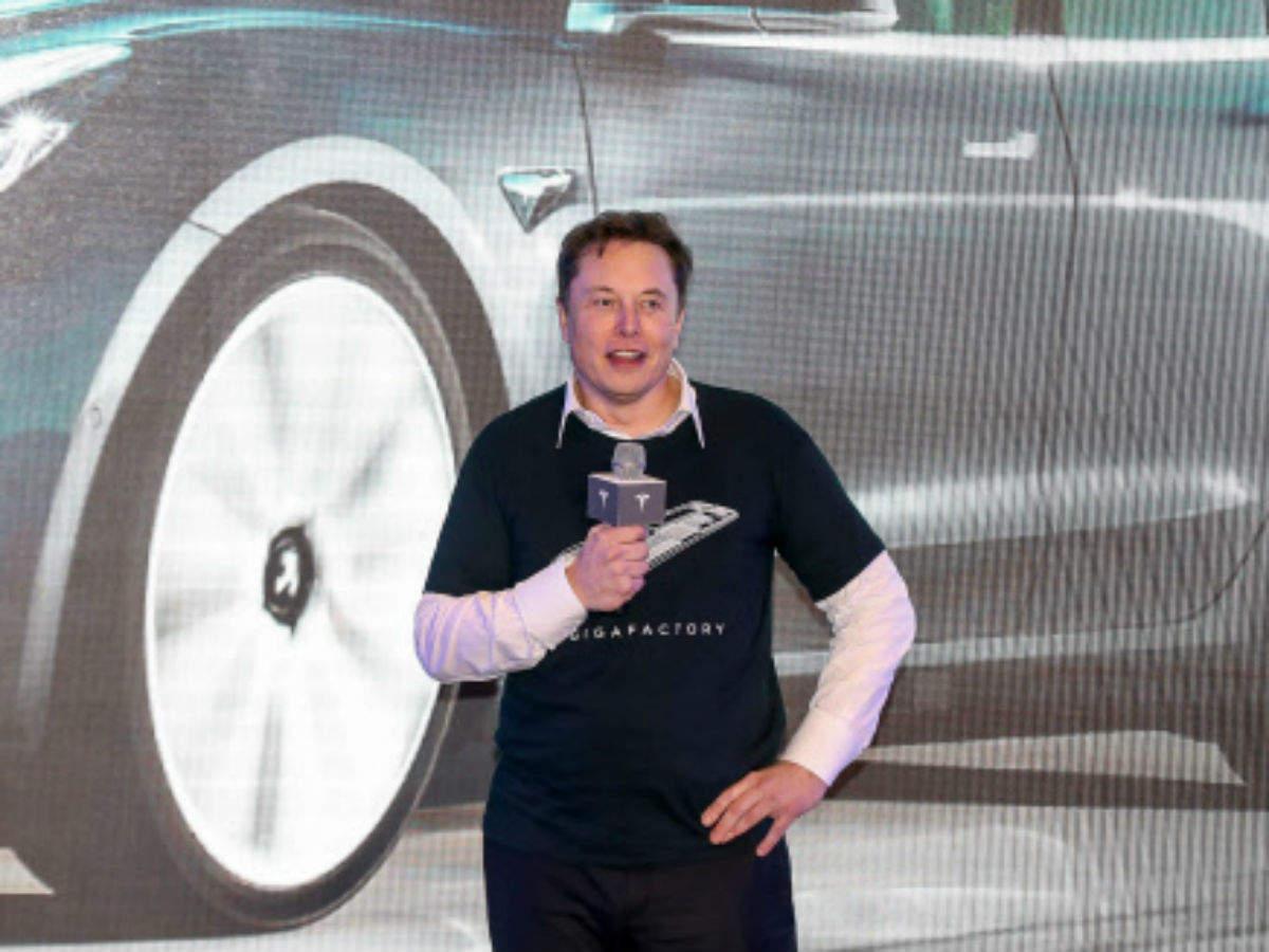 La valeur de Tesla chute de 50 milliards de dollars alors que Musk a promis une batterie de 3 ans moins chère