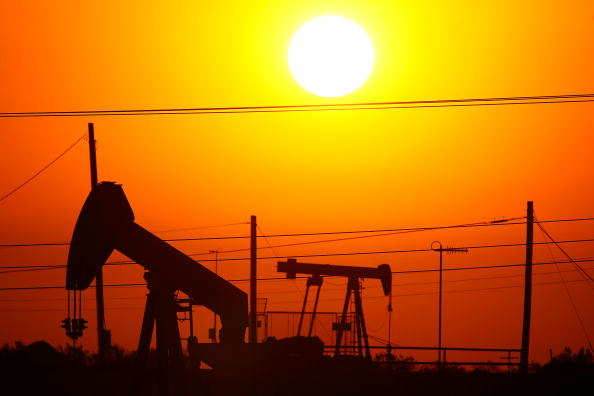 U.S. drillers add oil and gas rigs for fourth week in a row -Baker Hughes