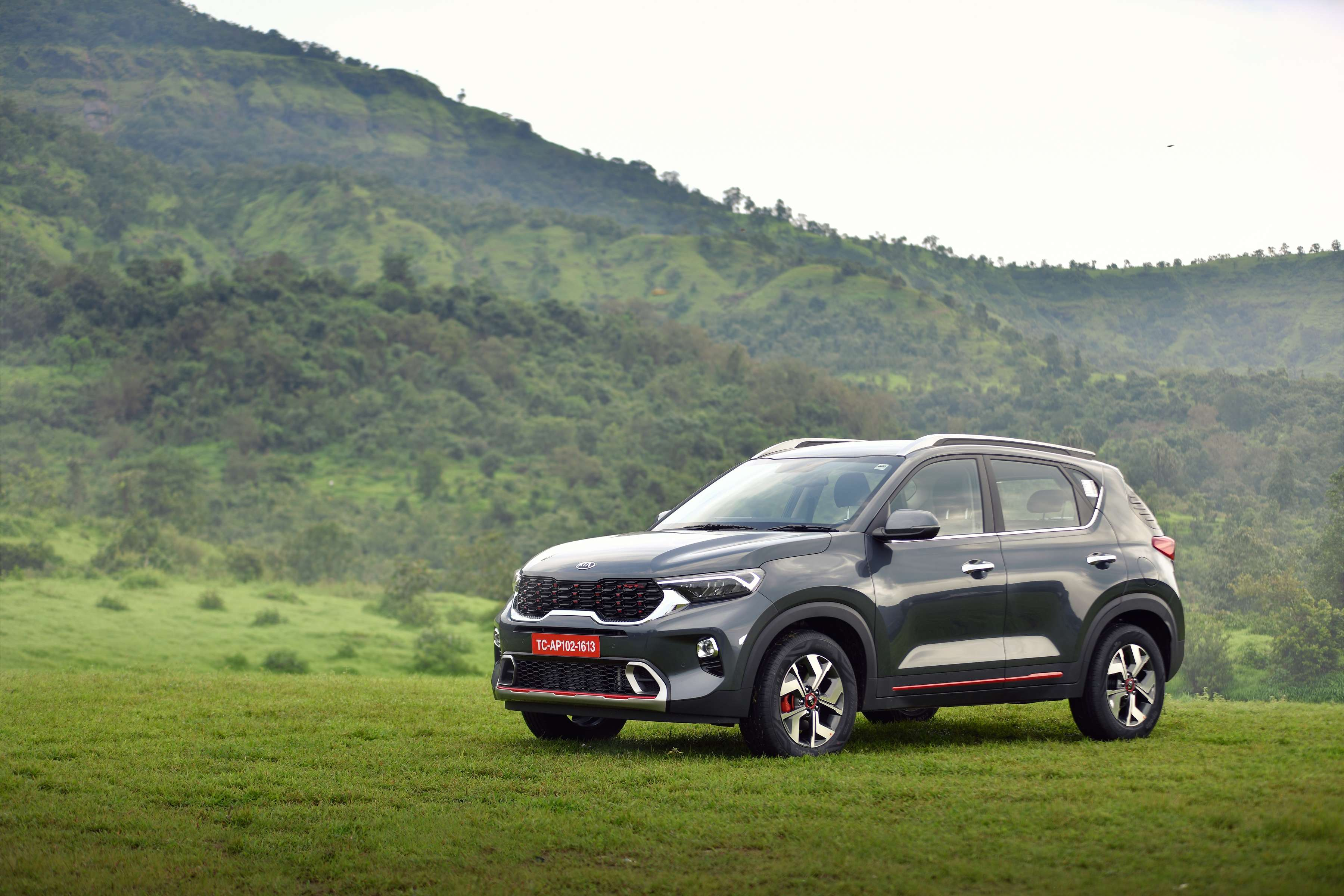 Kia Motors Kia Sonet Receives 50 000 Bookings Within Two Months Auto News Et Auto