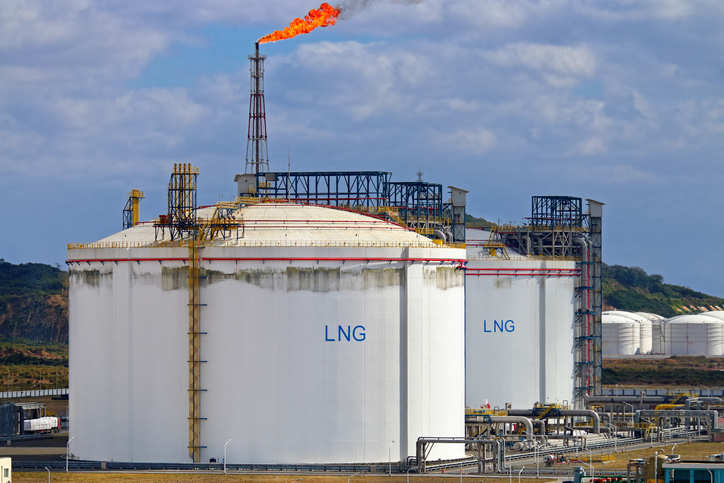 Lower prices drive Asia's demand for LNG as ship fuel