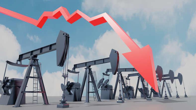 Exxon Mobil, Chevron again report losses on low oil prices
