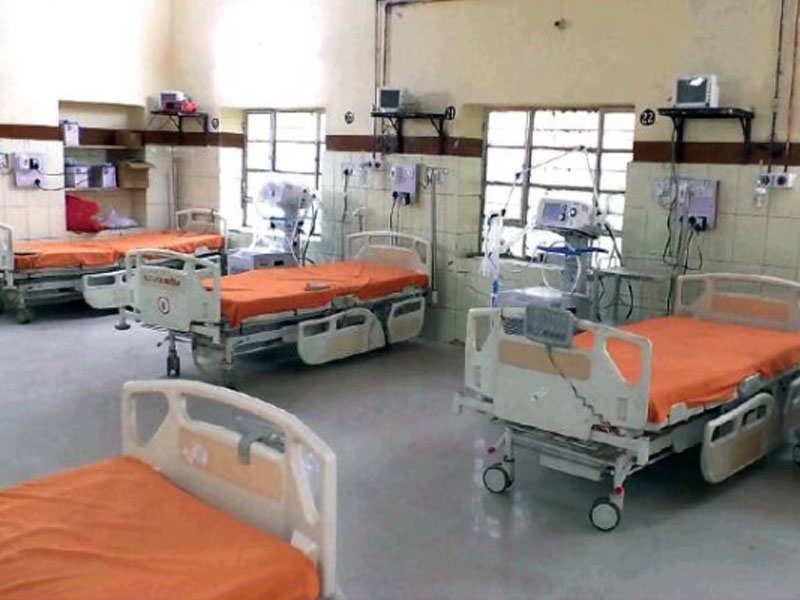 در 17 سپتامبر ، این شهر 384 تخت ICU داشت که در اکتبر به 682 تخت افزایش یافت.
