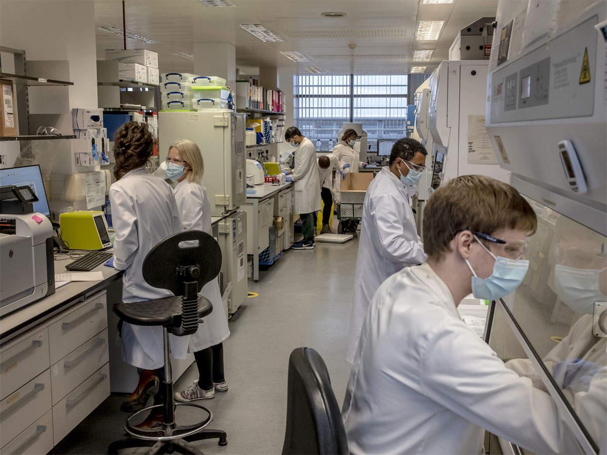 Covid-19: دهه ها کار و نصف دوز ثروت موفقیت واکسن آکسفورد را به همراه داشت