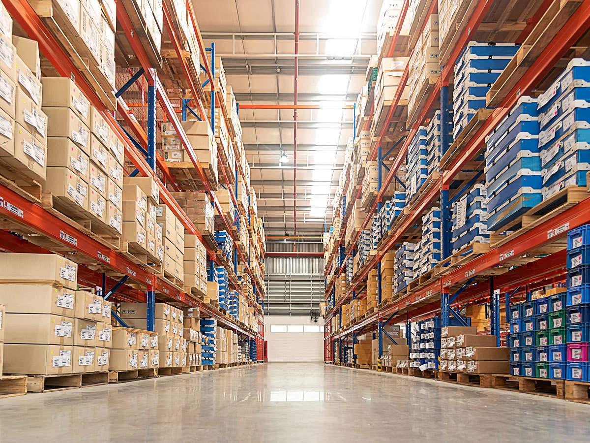 Warehouse biz gets online push amid pandemic