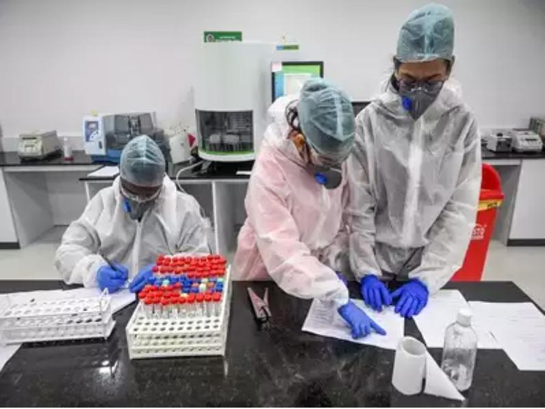 10 آزمایشگاه قطب منطقه ای برای تعیین توالی ژنوم است