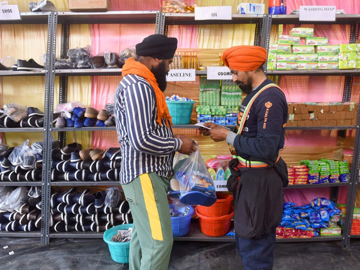 Soap to slippers: 28 basic items free for farmers at this mall